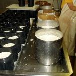 De kaasvormen voor de grote en de kleine Mont d'or