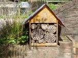 29 mei - het insectenhotel is weer bewoond