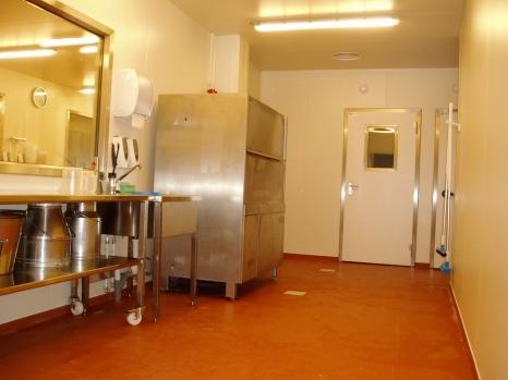 De afwaszone: 40% van al het werk is afwassen en poetsen